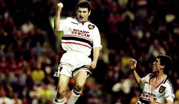 STORY 1: Bill recalls what Roy Keane done to Denis Irwin during an 8 vs 8 possession game.