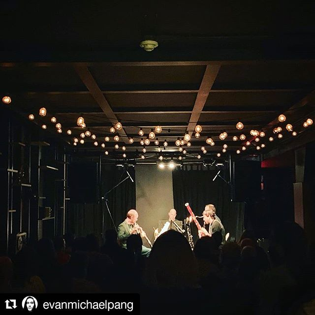 #Repost @evanmichaelpang ・・・ Packed house for the Blythwood Winds 🔥🔥🔥 Doing the entire score from Return of the Jedi 🥳  #windquintet #toronto #flute #oboe #clarinet #bassoon #horn #concert #music #musician #canadian #musicians #chambermusic #chamber #composer #woodwinds #woodwind #brass @burdockbrewery