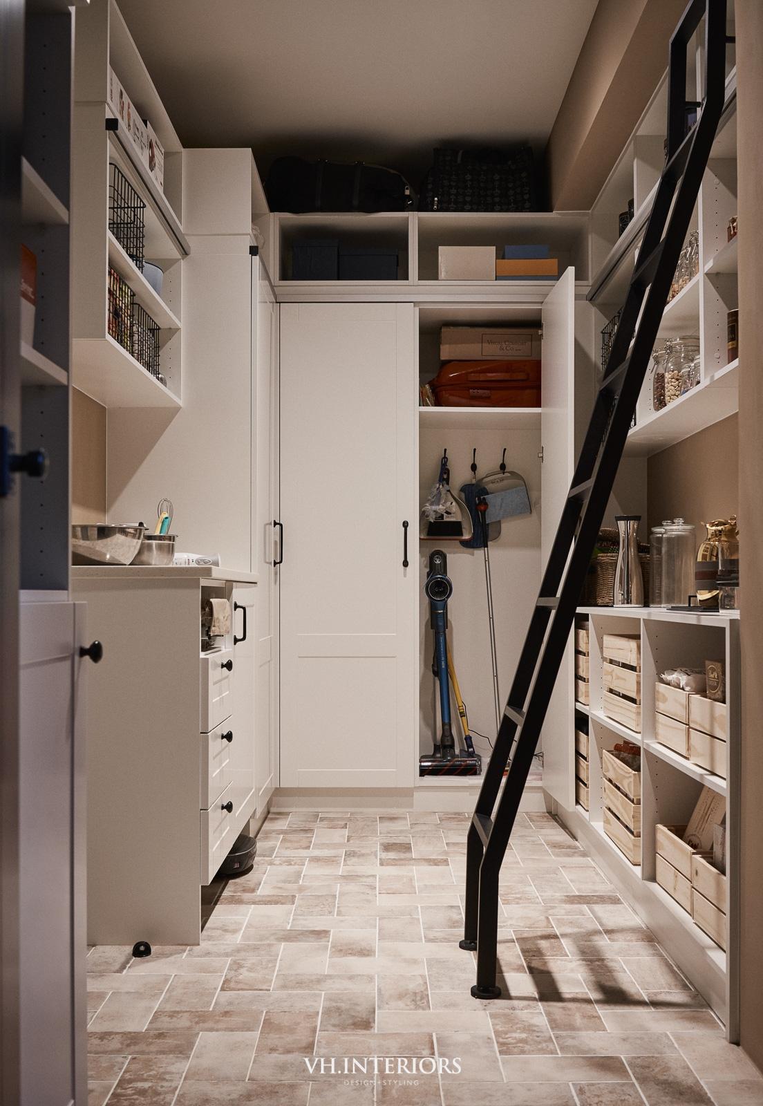 VH_ApartmentWithDog-640.jpg
