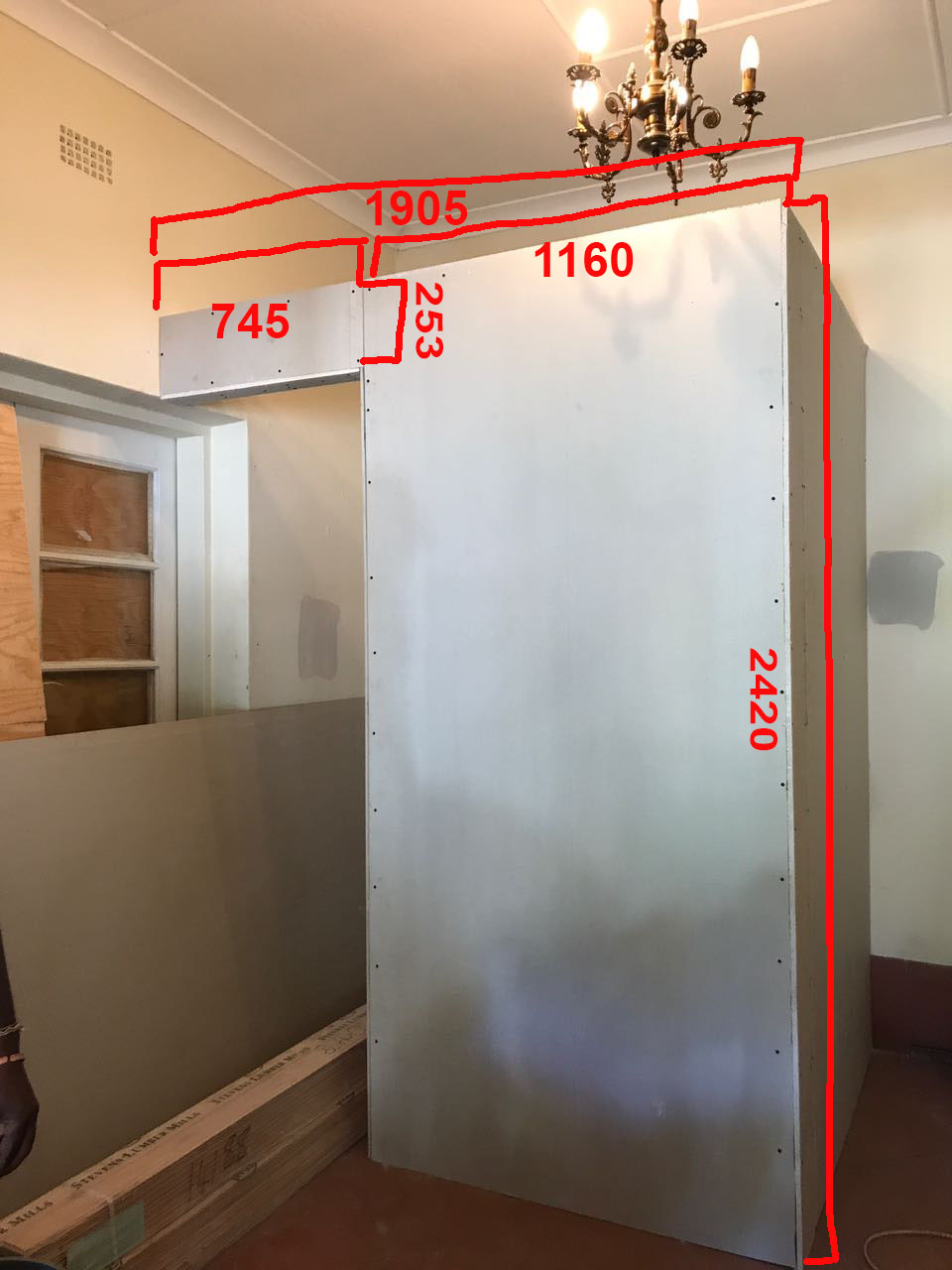 additional drywall to be covered in wallpaper.jpg
