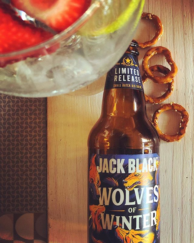 Berries, unstyled and all things wild. That's what some girls are made of. #wolvesofwinter #womenwhorunwithwolves #dontjudgeabook #craftbeer #whatsinaname #ginandtonic