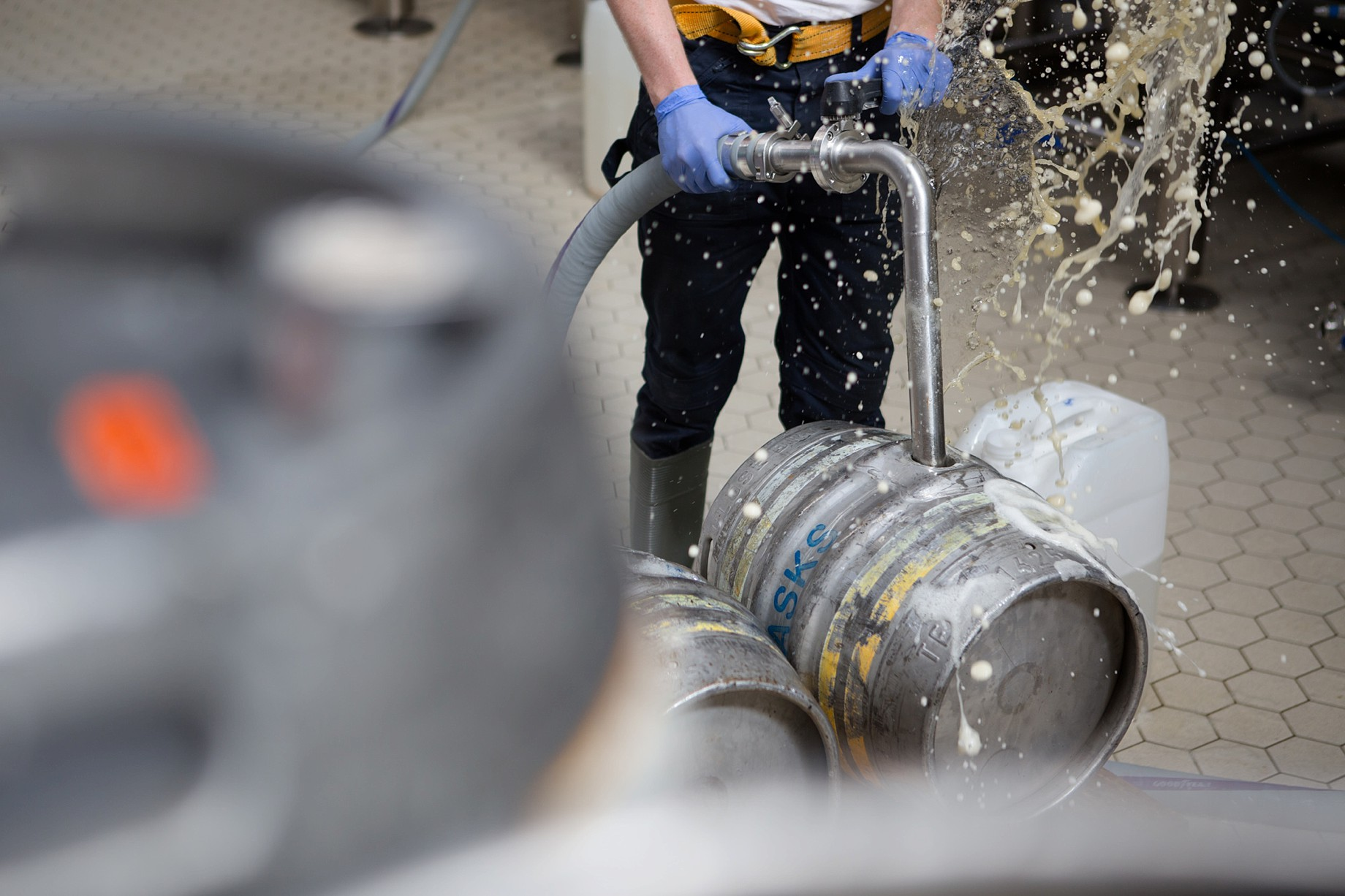 Cloudwater_brew_Co_021_cask_filling_mark_newton_photography.JPG