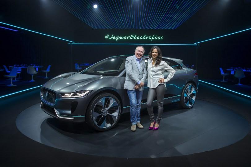 jaguar-ipace-vr-Michelle-Rodriguez_010.jpg