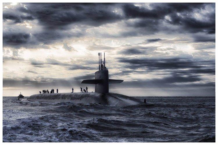 submarine-frame.jpg