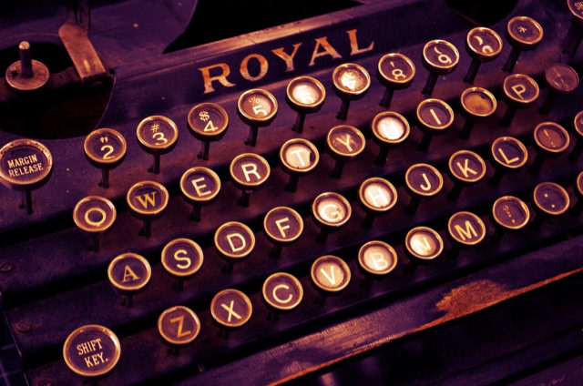 Typewriter_Royal (1).jpg