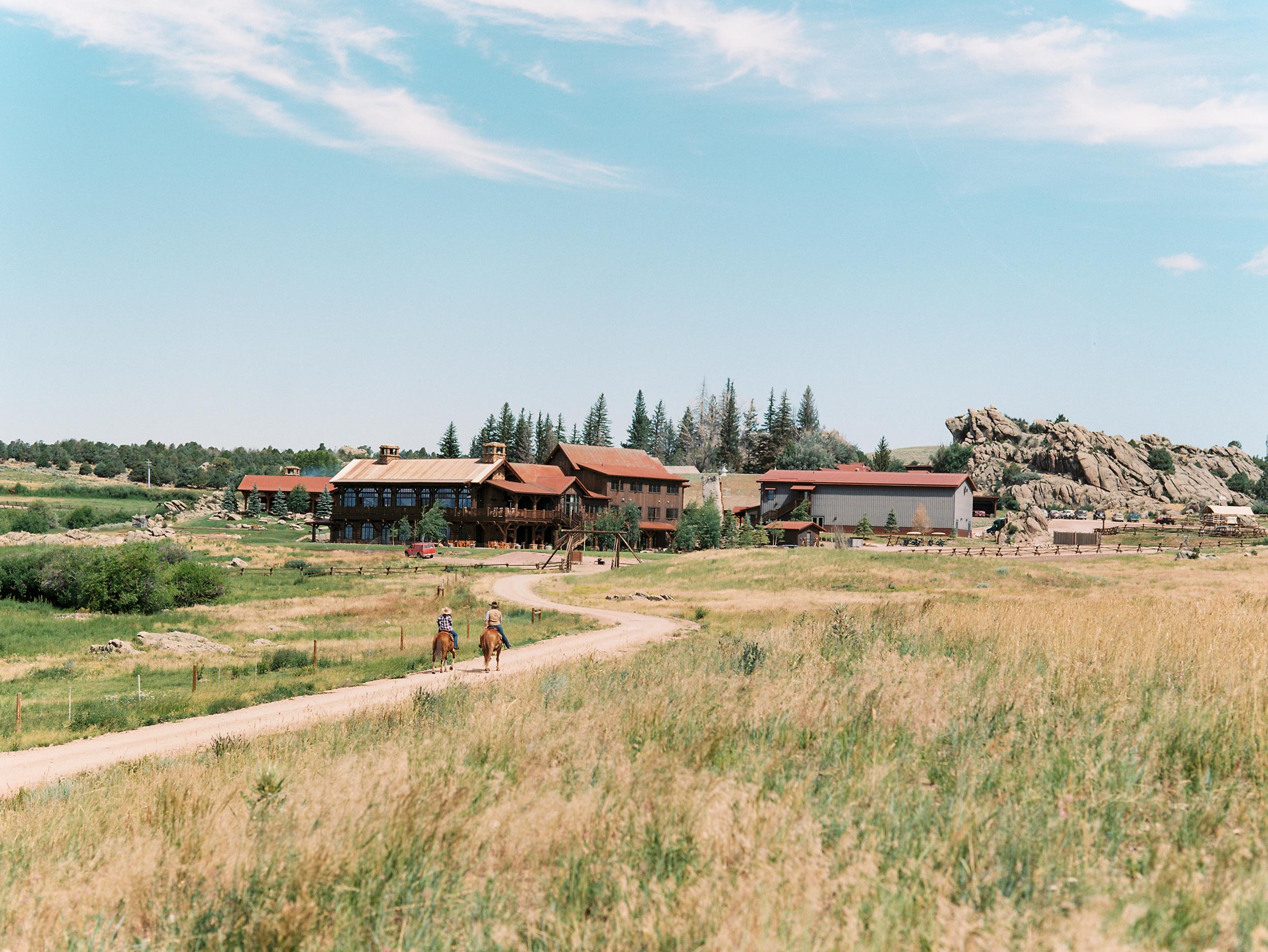 Bohemian Wedding Inspiration at Brush Creek Ranch | Photography: Lisa O'Dwyer
