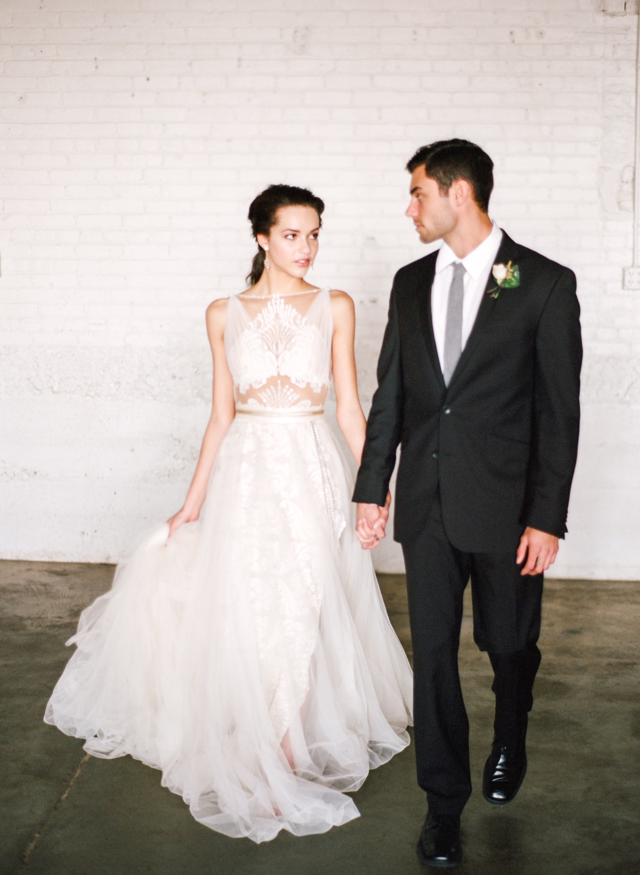 Modern_Organic_Denver_Wedding_Inspiration_by_Connie_Whitlock_104.jpg