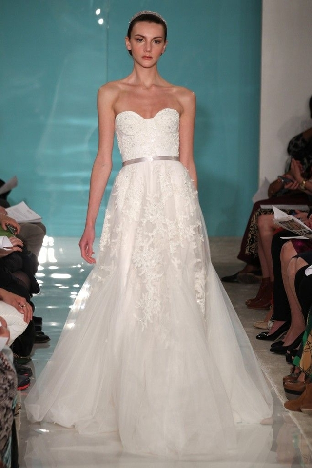 reem-acra-heavenly-lace-wedding-dress-4969558-0-0.jpg