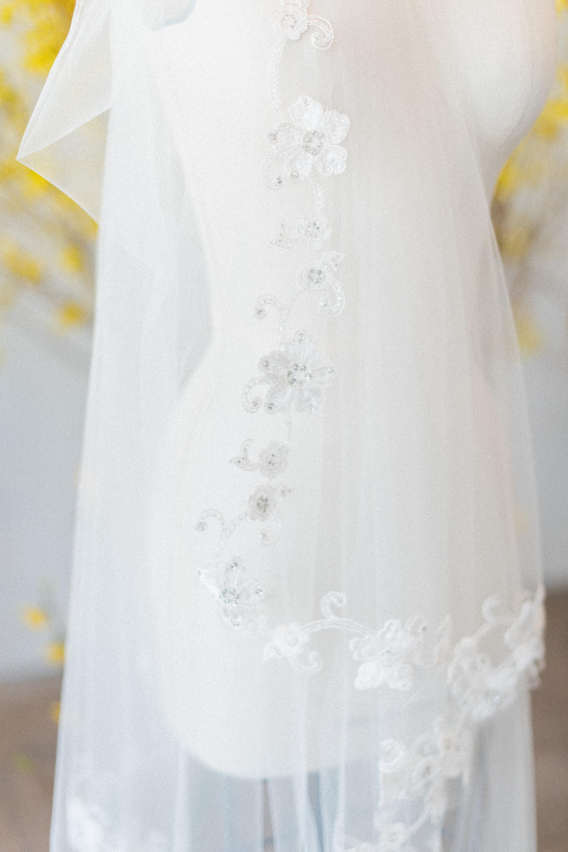 Claire Pettibone Heirloom veil | Spring Bridal Inspiration from Little White Dress Bridal Shop in Denver, Colorado | Decorus Photography