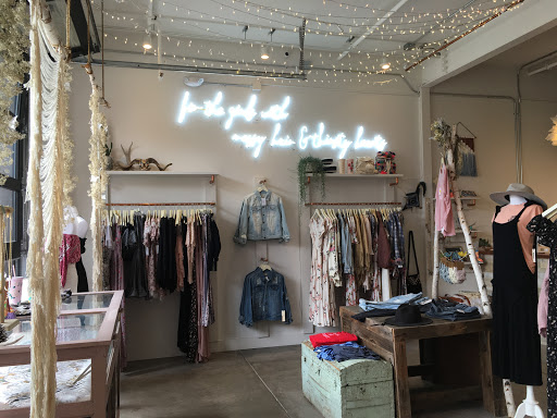 Meraki Moon - Flagship store selling bohemian women's apparel, accessories, handmade gemstone jewelry and more.