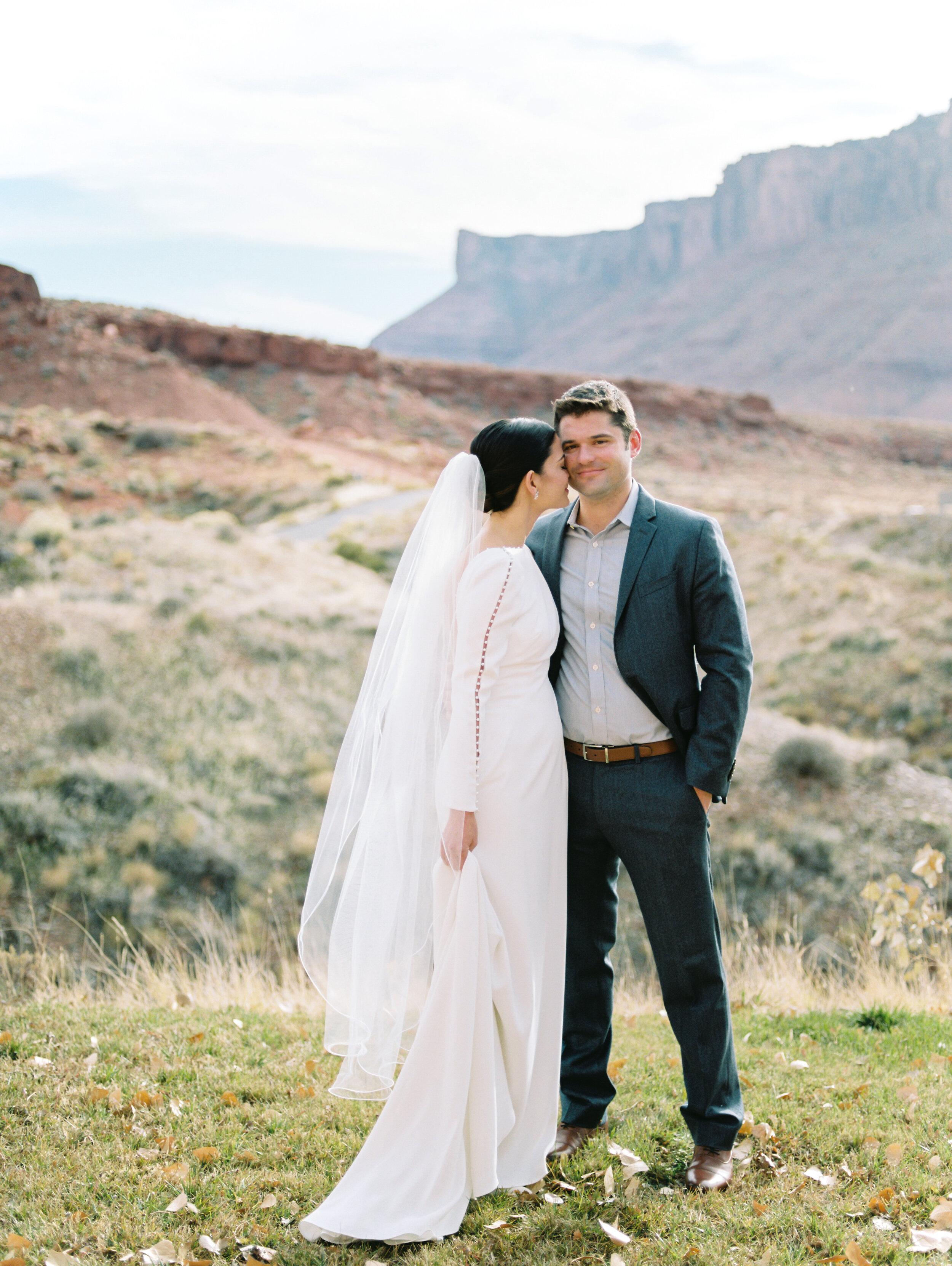 Victoria and Zach Sorrel River Ranch Wedding 049.jpg