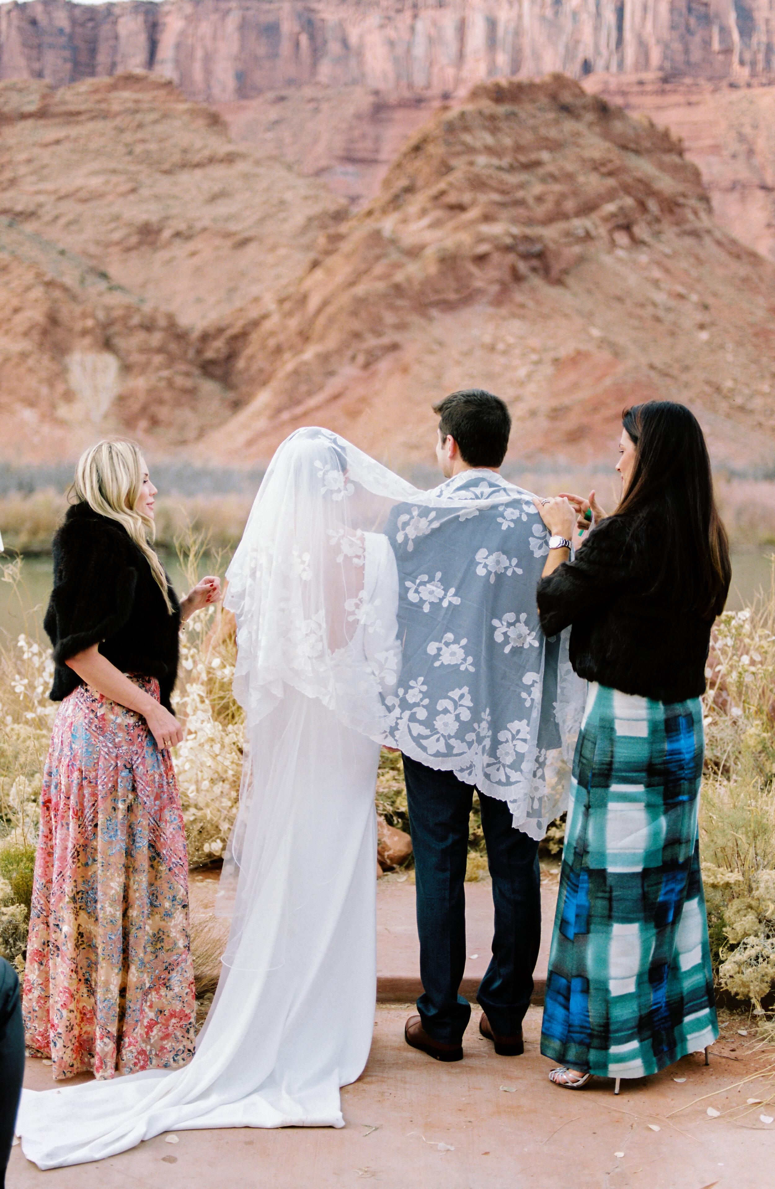 Victoria and Zach Sorrel River Ranch Wedding 130.jpg