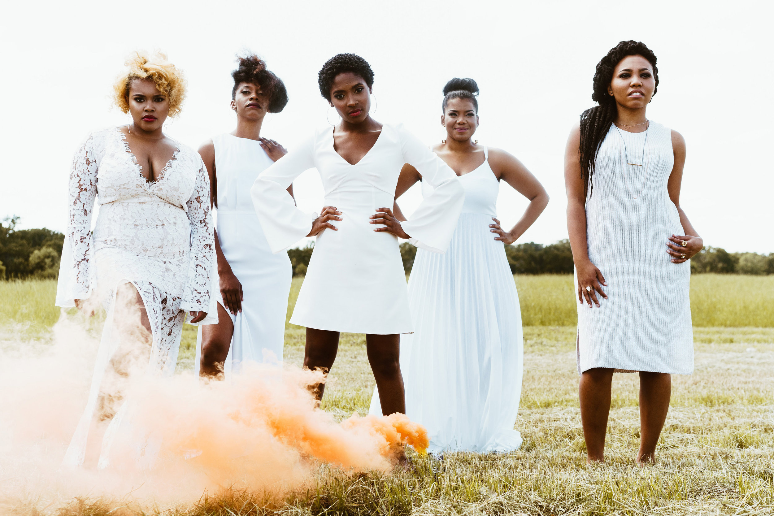 WE'RE ON A MISSION TO... - EDUCATE, ENCOURAGE, AND INSPIRE PETITE WOMEN TO EMBRACE THEIR UNIQUE BEAUTY!STYLE WELL. L IVE WELL . BE BRAVE .