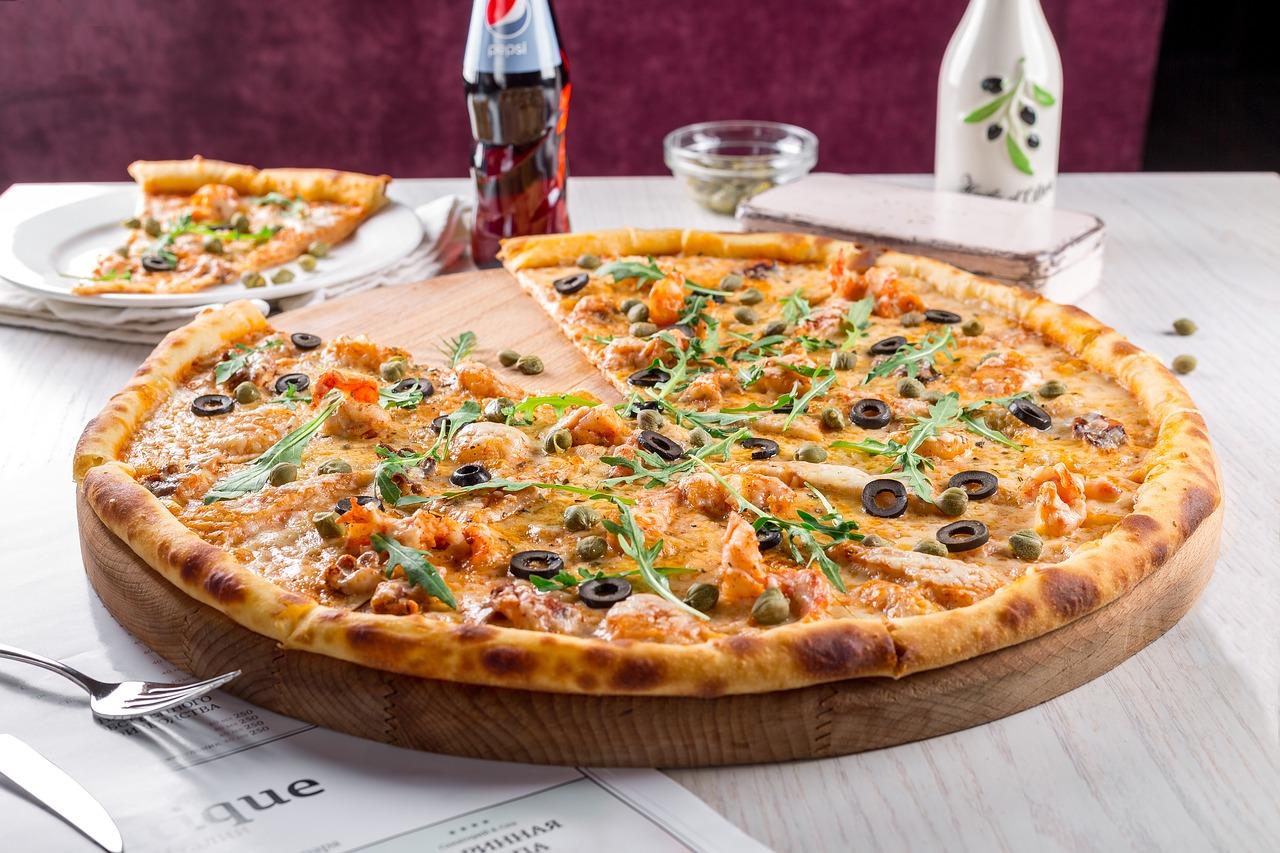 pizza-2000615_1280.jpg
