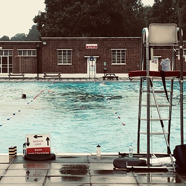 In at the deep end. Literally! Thank you @spacecraft_uk for the inspiration to go and gorgeous company. #morningswim #lidolove #brockwellpark