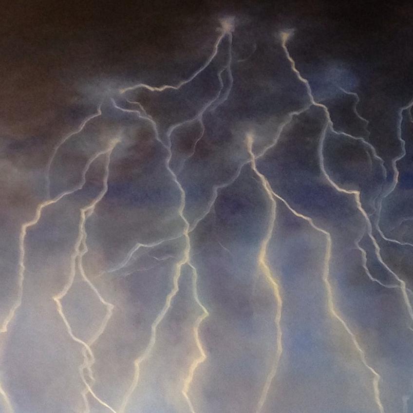 lightningb.jpg