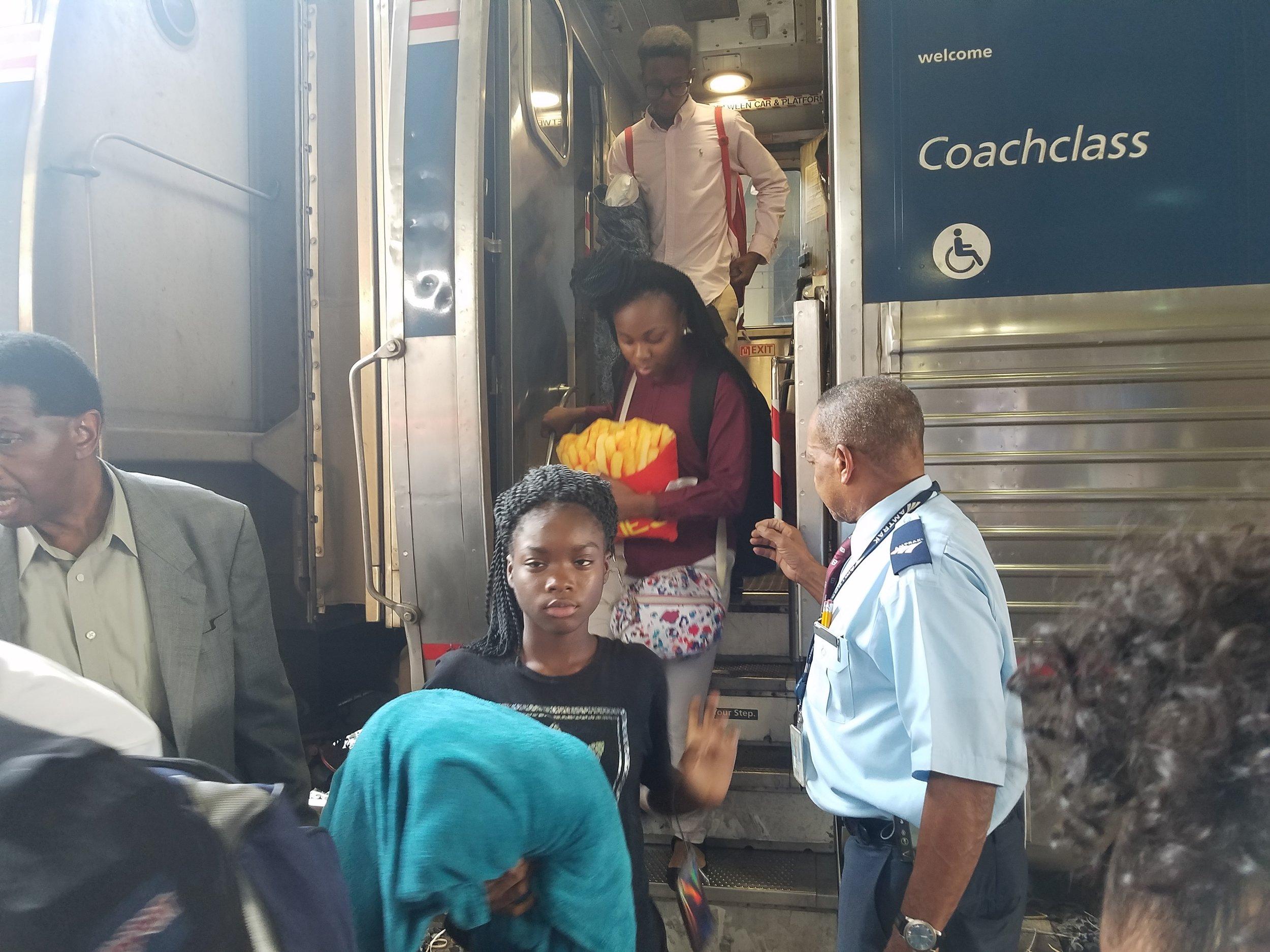 SYLDI Train Arrive DC.jpg