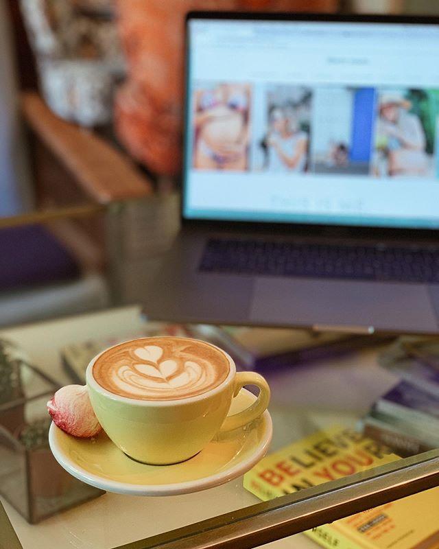afternoon cafecito and www.libertysuares.com keeping me busy... ☕️ #TGIF #theislandbarista #libertysuares #10curacao