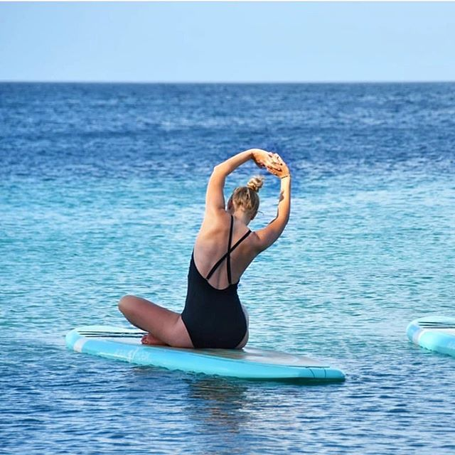 Hello Monday! 💙 Classes have been added online, go to www.dushisup.com and join us. #floatingstudio #dushisup