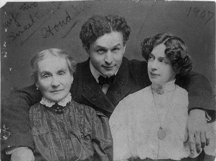 Houdini, his mother, and Bess