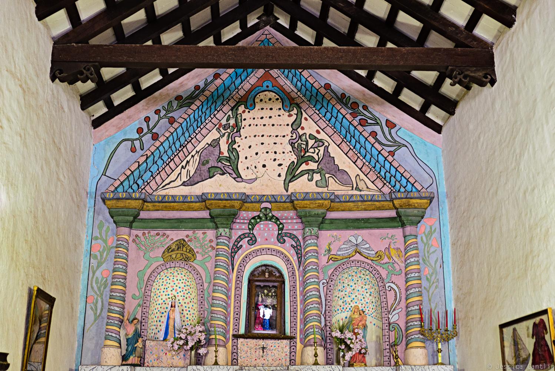 Alter at Iglesia de Nuestra Señora del Rosario in Hualfin