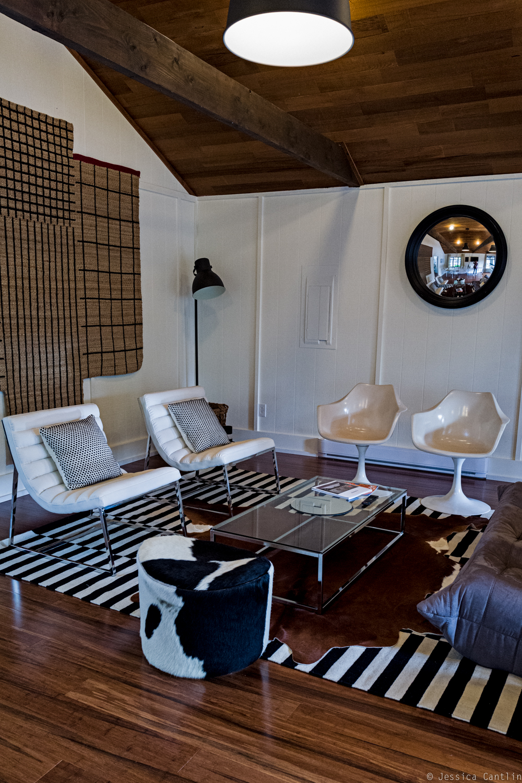 Cottage: Meeting spot.