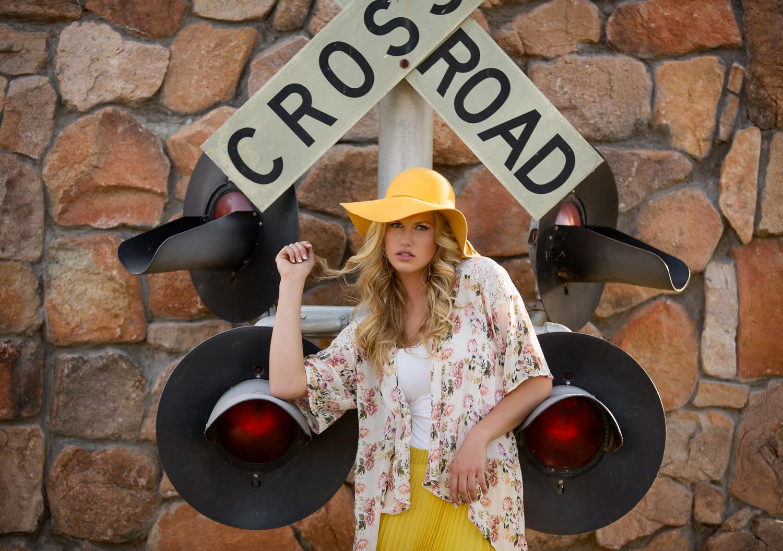 AC9A6016 RR Crossing.jpg
