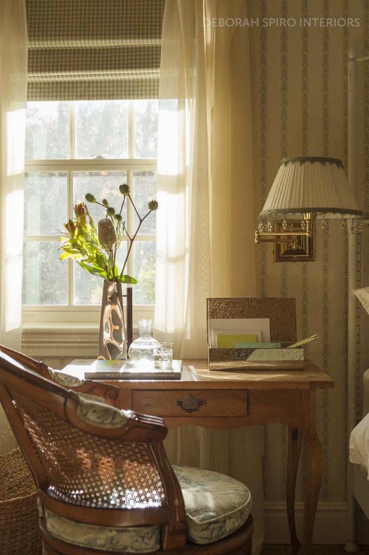 spiro+master+bedroom+desk+closeup copy_tag.jpg
