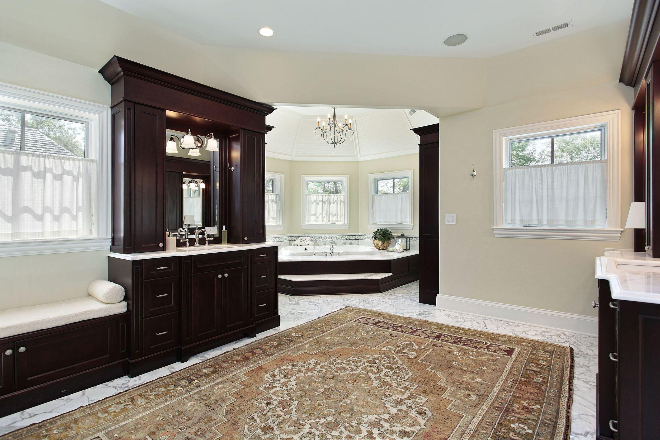 5 Master Bathroom.jpg