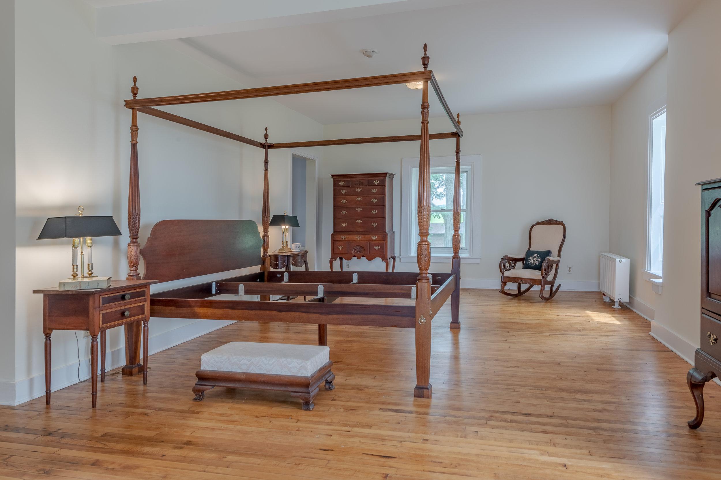 45 Bedroom 3602StateRt90N-9.jpg