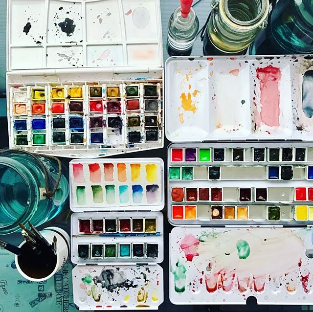 Time to get back to work... ♥️ . . . . . . . #watercolour #inkdrawing #watercolors #watercolorpainting #artwork #art #pallet #danielsmith #winsorandnewton #winsornewton #catcherintherye