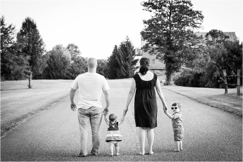Harrisonburg Helmeczi Family Portaits_0001.jpg