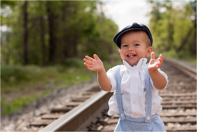 Daleville_Railroad_Family_Portraits_Tribbles_0004.jpg