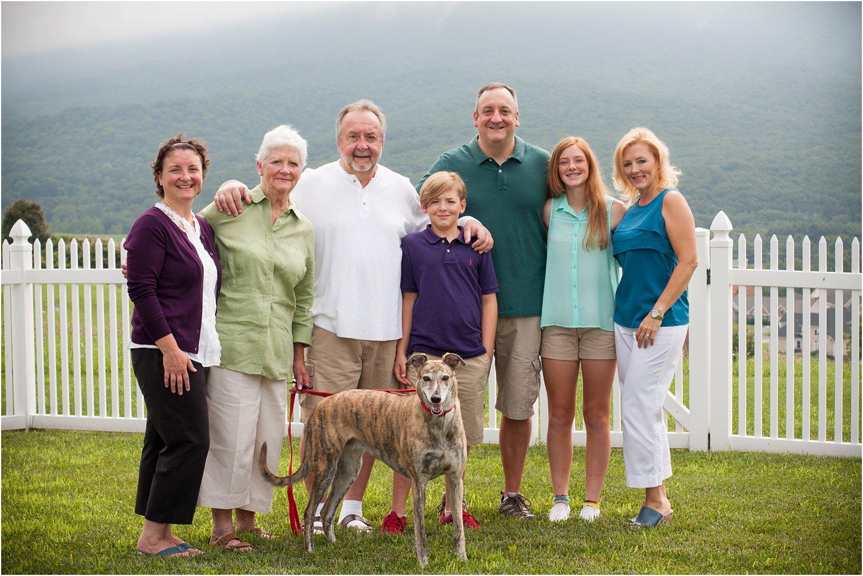 Harrisonburg_Family_Portraits_Pinneri_0005.jpg