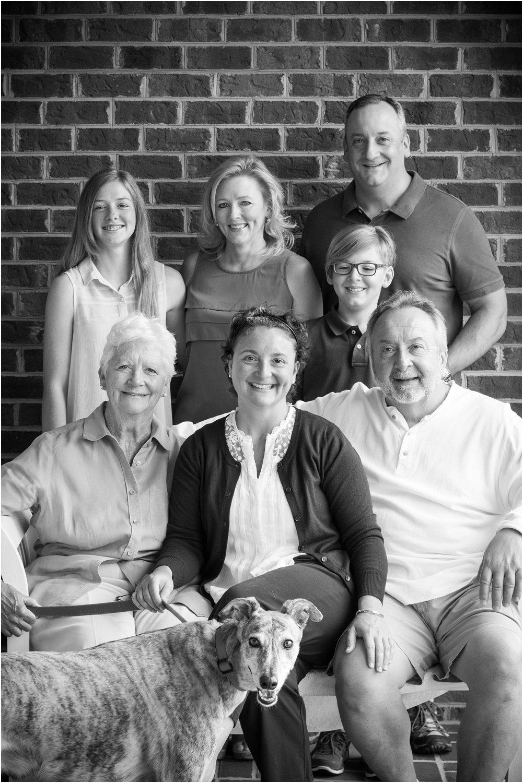 Harrisonburg_Family_Portraits_Pinneri_0014.jpg
