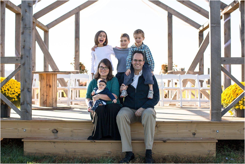 On_Sunny_Slope_Farm_Harrisonburg_VA_Family_Portraits_0006.jpg
