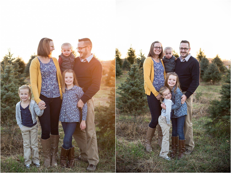 Evergreen_Christmas_Tree_Farm_Keezletown_VA_Family_0012.jpg