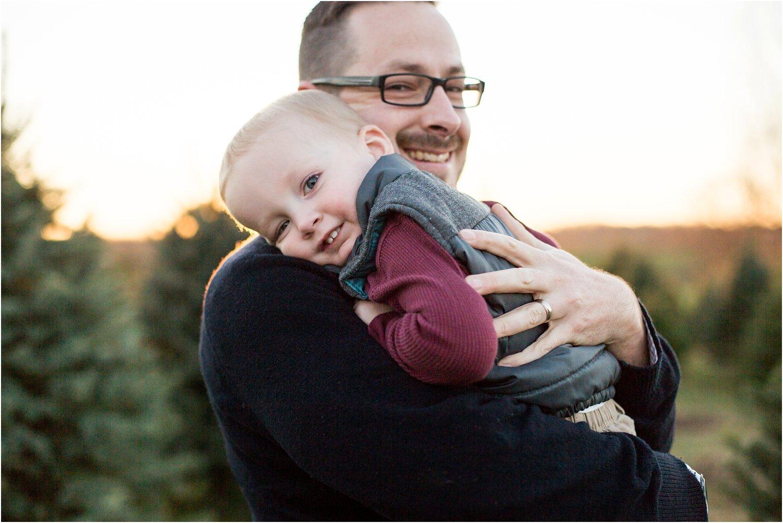 Evergreen_Christmas_Tree_Farm_Keezletown_VA_Family_0013.jpg