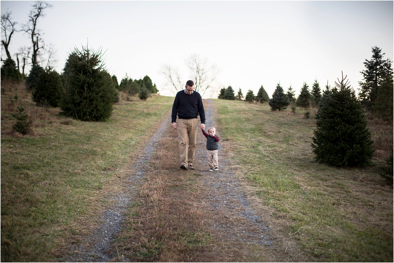 Evergreen_Christmas_Tree_Farm_Keezletown_VA_Family_0023.jpg