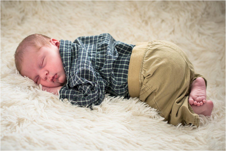 Harrisonburg_Newborn_Family_Portraits_0021.jpg