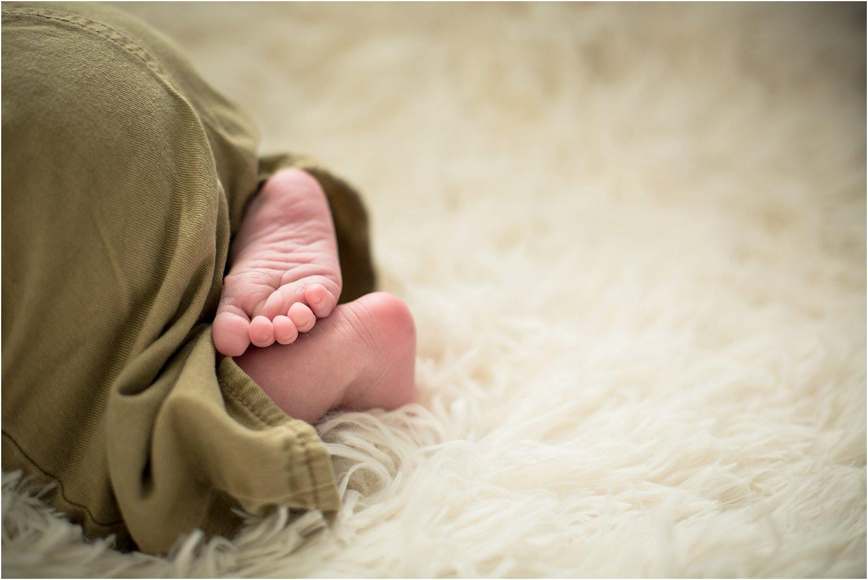 Harrisonburg_Newborn_Family_Portraits_0023.jpg