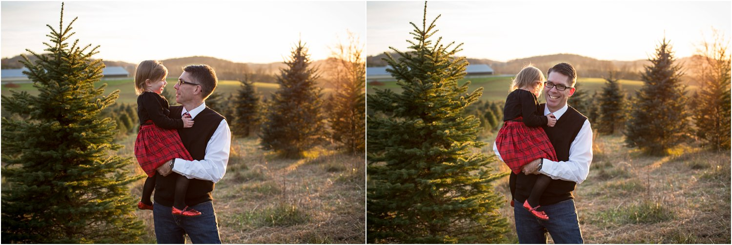 Evergreen_Christmas_Tree_Farm_Family_Portraits_0020.jpg
