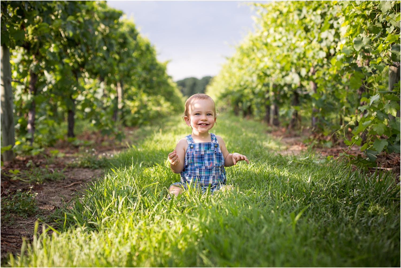 Barren_Ridge_Vineyard_VA_Family_Photography_0009.jpg