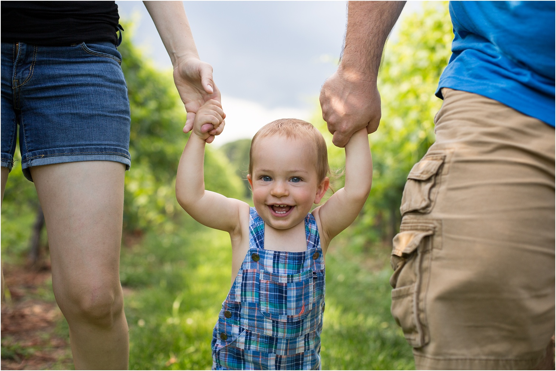 Barren_Ridge_Vineyard_VA_Family_Photography_0013.jpg
