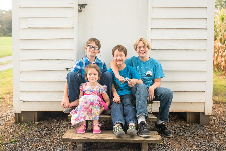Heatwole_Family_Harrisonburg_VA_Photography_0001.jpg