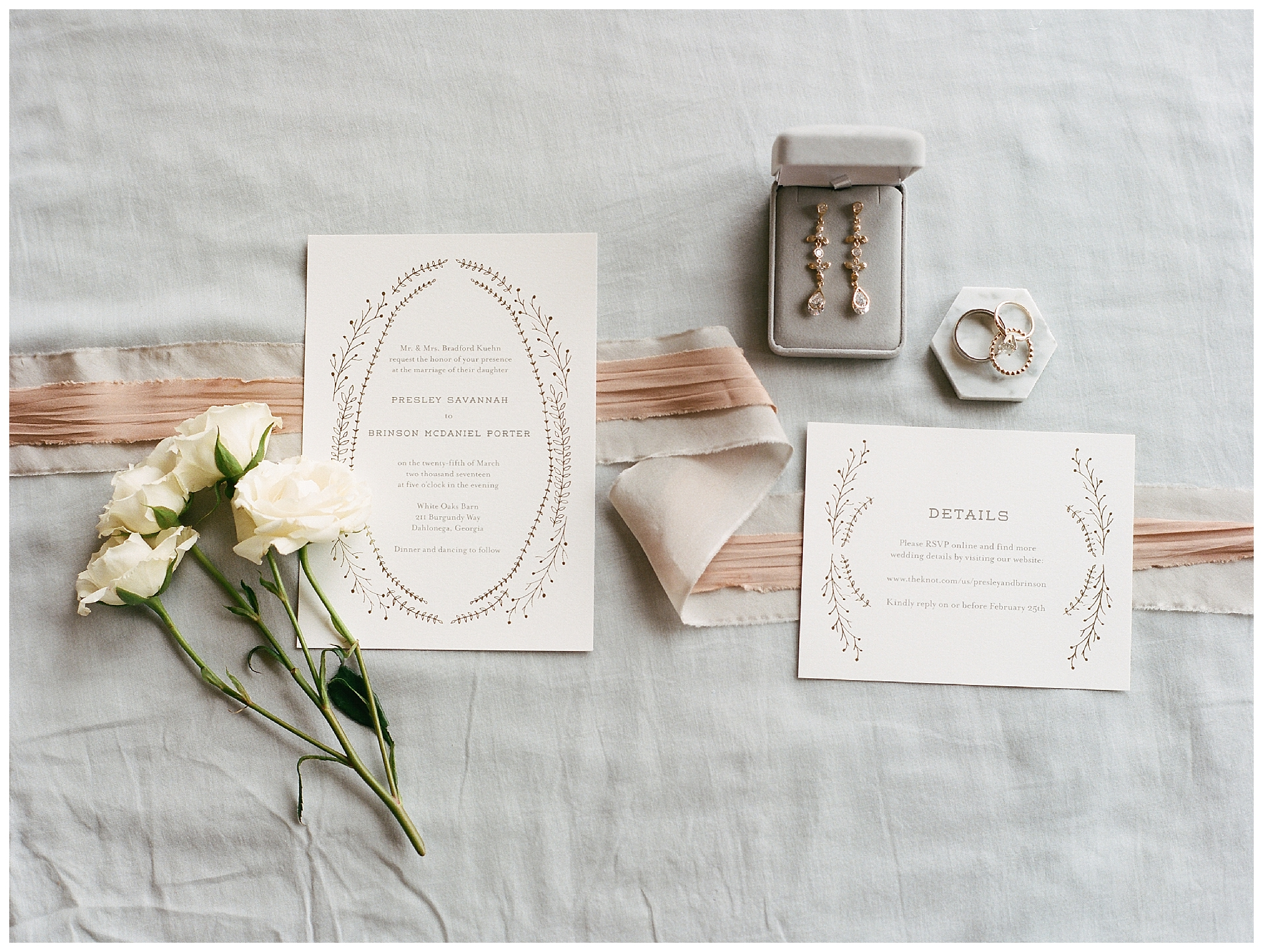 white-oaks-barn-dahlonega-wedding-photographer-christina-pugh_0001.jpg