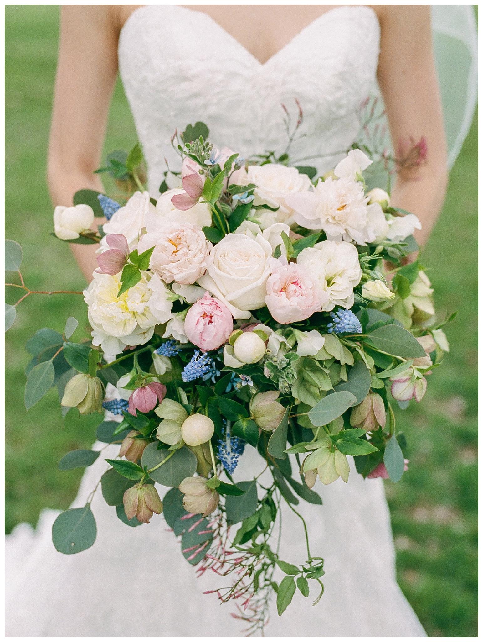 white-oaks-barn-dahlonega-wedding-photographer-christina-pugh_0012.jpg