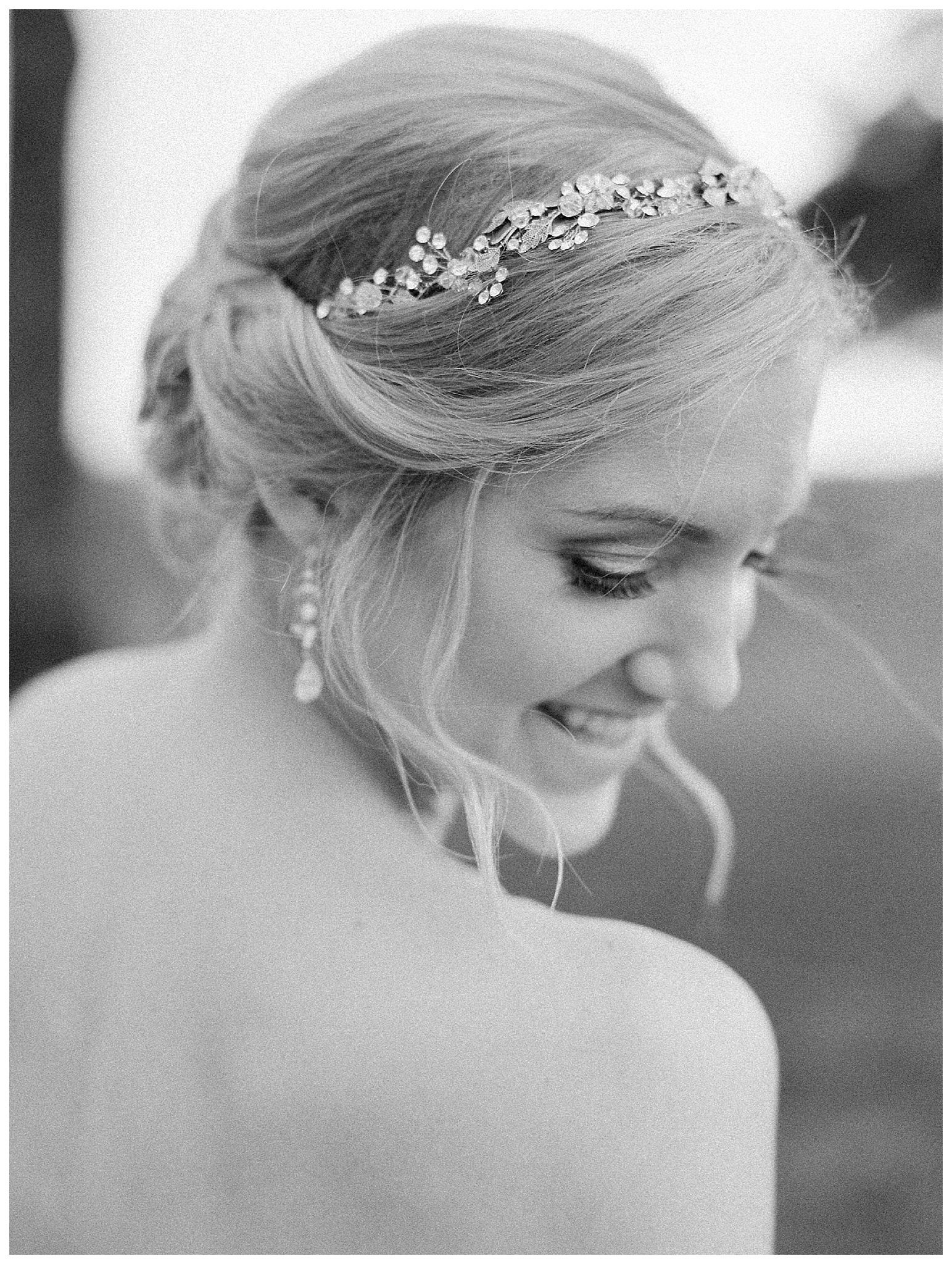 white-oaks-barn-dahlonega-wedding-photographer-christina-pugh_0013.jpg