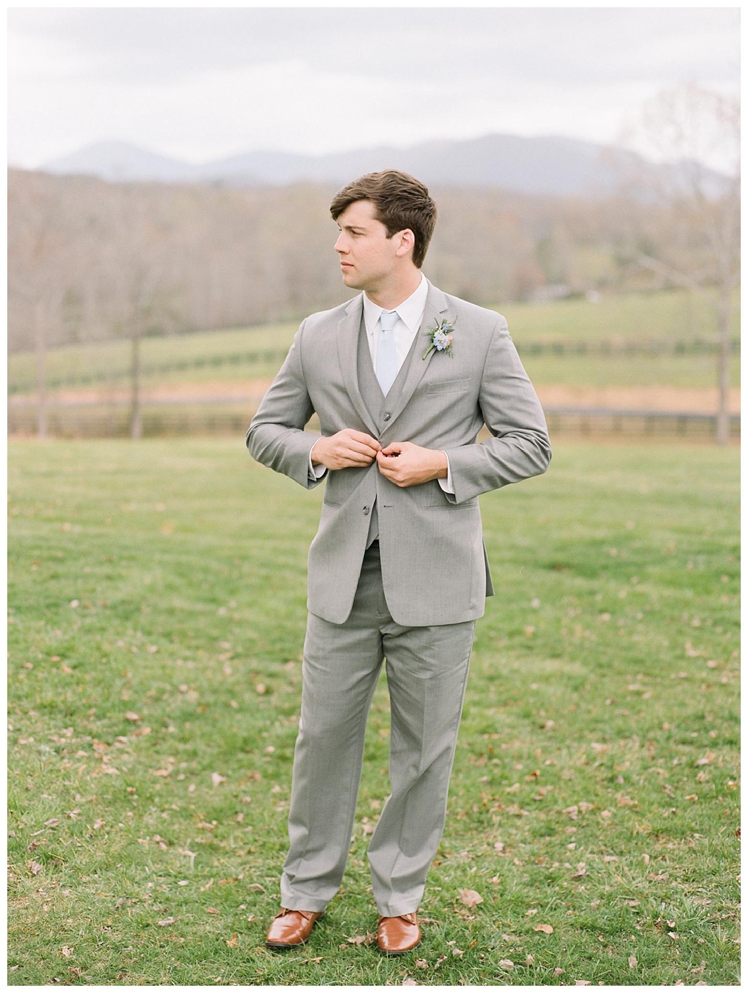 white-oaks-barn-dahlonega-wedding-photographer-christina-pugh_0020.jpg