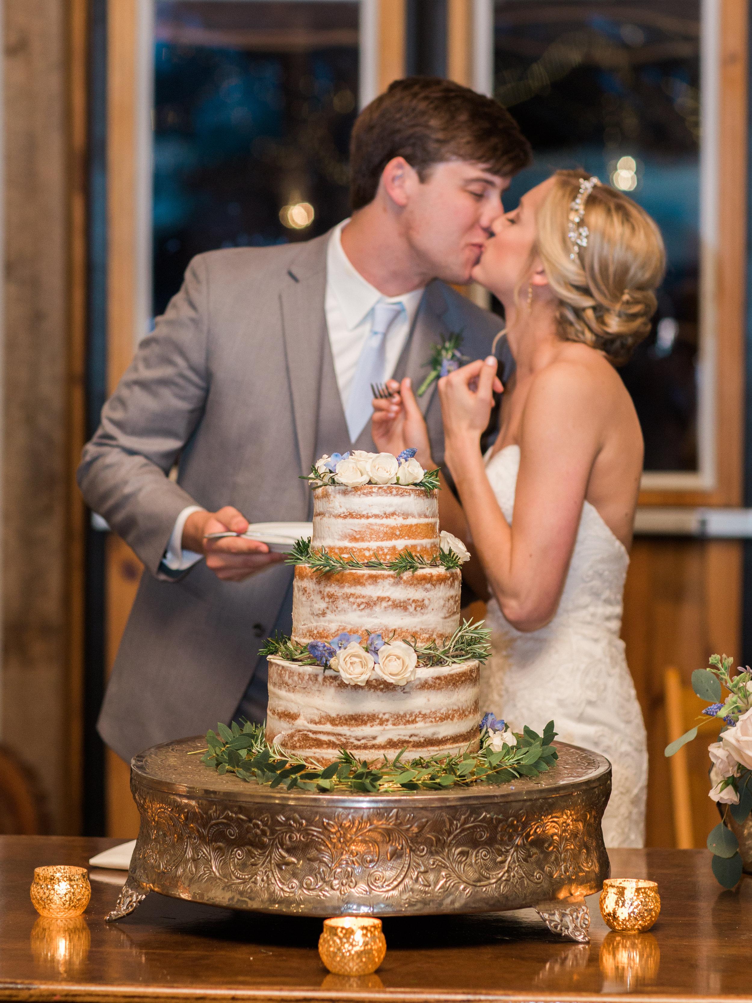 white-oaks-barn-wedding-dahlonega-ga-photographer-18.jpg